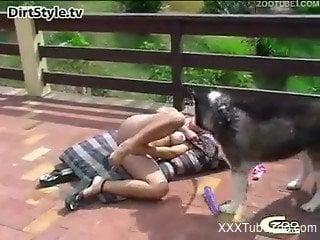 Blonde slut enjoys outdoor sunny porn with her dog